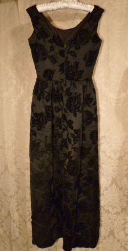 1960s Vintage Ben Barrack black flocked velvet gown (6)