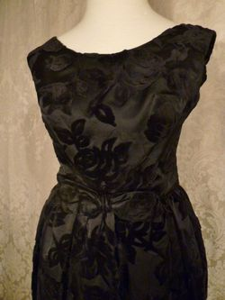 1960s Vintage Ben Barrack black flocked velvet gown (4)