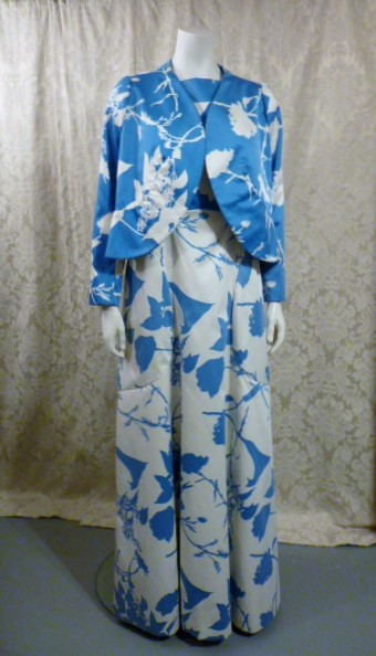 Vintage 1980s Arnold Scaasi Blue & White Floral Evening Gown & Bolero  (11)