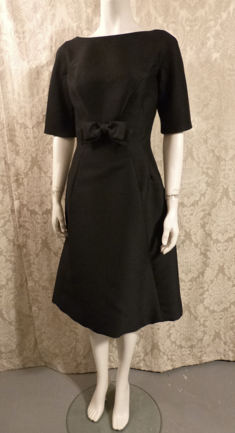 Vintage 1950s B. Altman & Co. Fifth Ave New York black cocktail dress bow scoop back  (2)