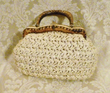 Vintage 1960's Ritter Straw Bag with Carved Wood Handle Made in Italy (4)