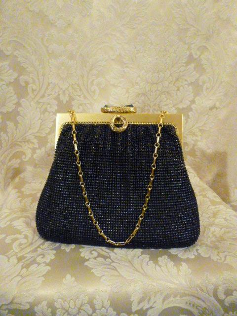 Vintage 1950s Whiting & Davis Black Diamond Beaded Mesh purse handbag (1)