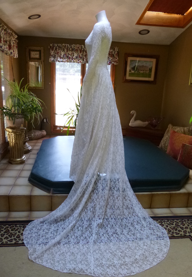 Rare 1940's Bridal Ensemble Ivory Lace Wedding Dress Cathedral Train  Matching Lace Headpiece  Ivory Satin Shoes  (19)