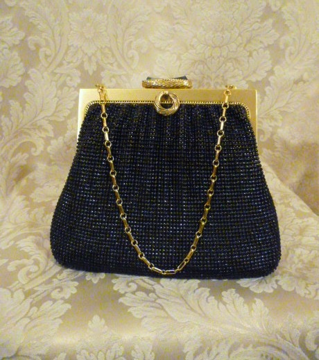 Vintage 1950s Whiting & Davis Black Diamond Beaded Mesh purse handbag (1)